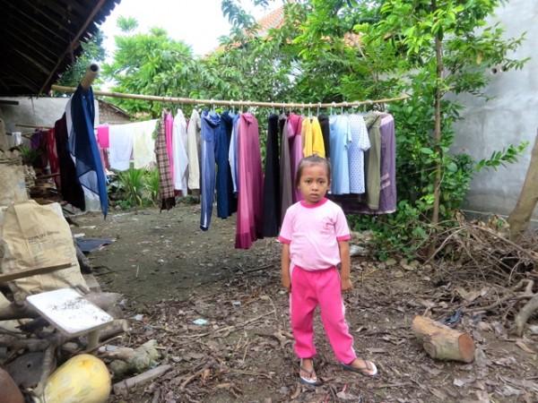 girl w laundry